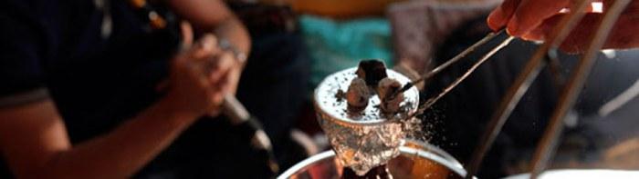 угли для кальяна на чашке