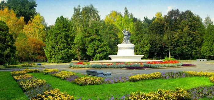 памятник в славянске